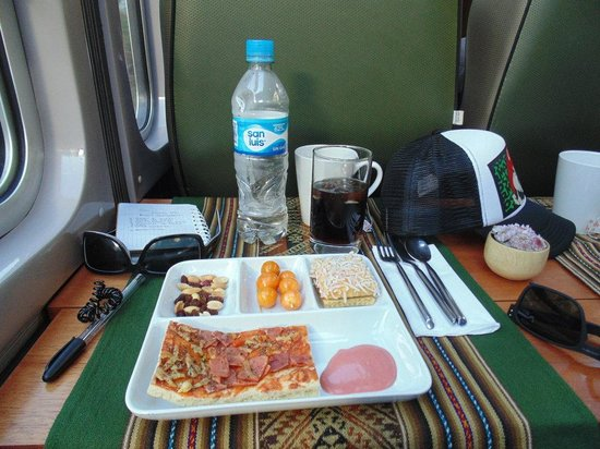 PeruRail - Vistadome: Snacks2