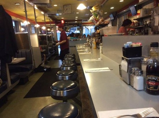 Counter and booths - Picture of Pearl Street Diner, New York