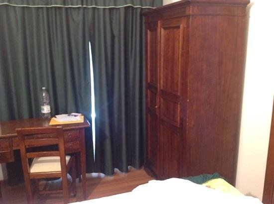 Hotel Le Macinaie - Monte Amiata : a malapena si riesce ad andare in bagno