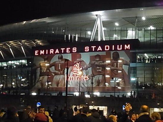 Emirates Stadium: 外観