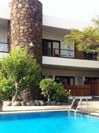 Hotel Villa Vik: Blick vom Garten auf Zimmer im 1. Stock