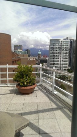 Hampton Inn & Suites Downtown Vancouver: View from the rooftoop terrace