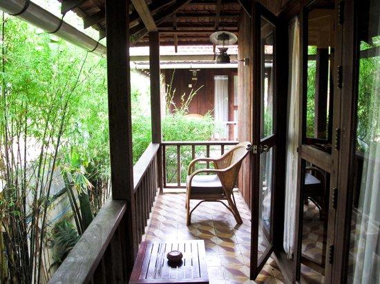 Bambu Battambang Hotel: Balcone