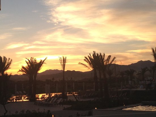 Secrets Puerto Los Cabos Golf & Spa Resort: Gorgeous sunset