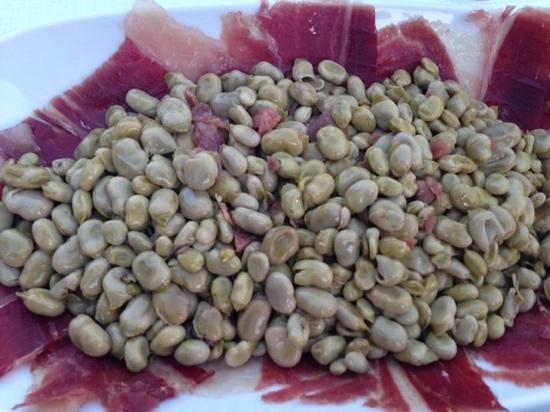 Carmen Mirador de Aixa: Beans with ham