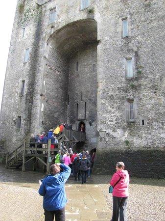 Bunratty Castle Medieval Banquet: Entering Bunratty Castle