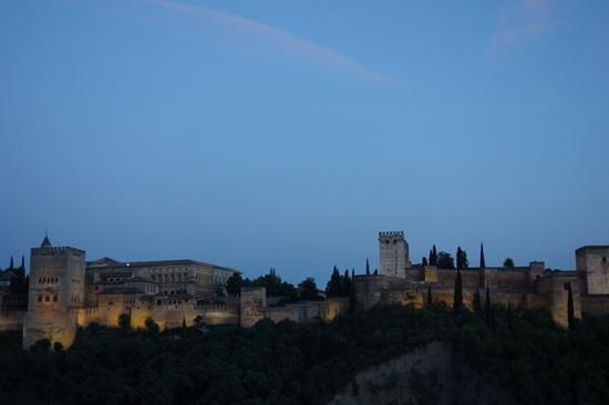 Carmen Mirador de Aixa: Alhambra at sunset