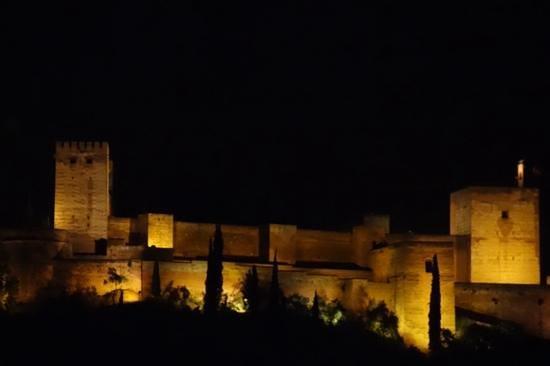 Carmen Mirador de Aixa: Alhambra after sunset