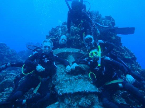 Buceo Isla de Pascua : con el moai submarino