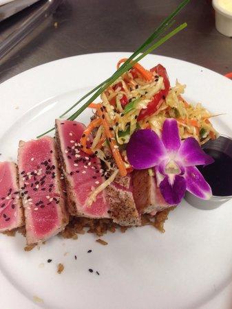 Ohana Grill: Seared Tuna