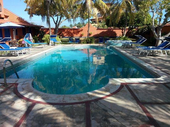 Costa Linda Beach: La piscina