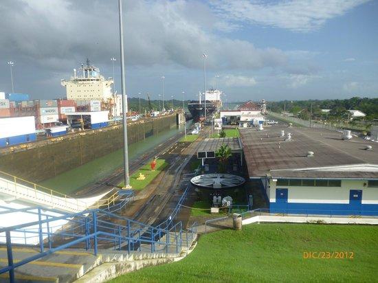 Esclusas del Canal de Panamá: exclusa de Gatum , Colon , Panama
