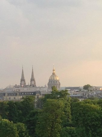 Hotel Brighton: Invalides - vista no centro