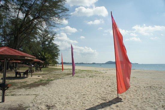 Holiday Villa Beach Resort & Spa Cherating : Beach