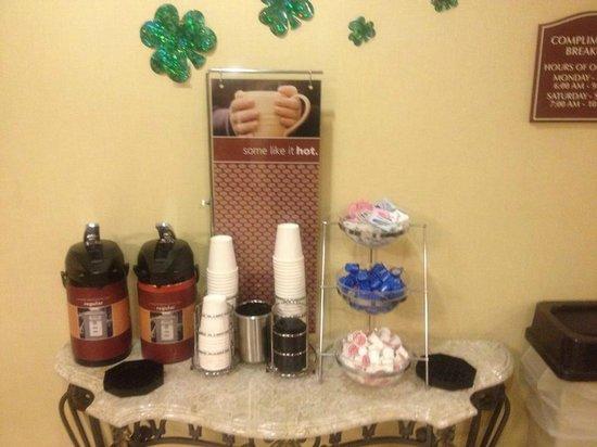 Clarion Inn Michigan City : Coffee