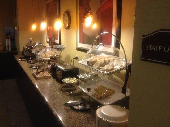 Clarion Inn Michigan City : Breakfast area