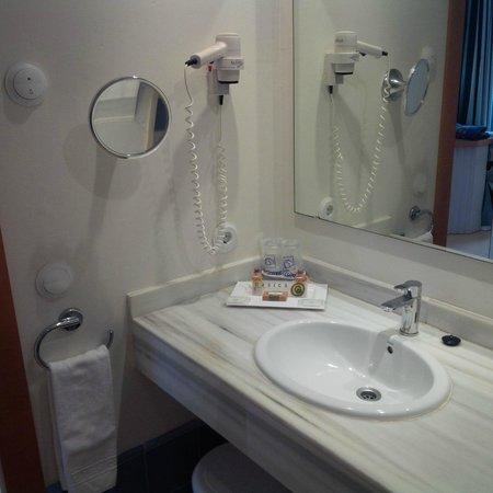 Aparthotel & Hotel Isla de Cabrera: Bathroom 3