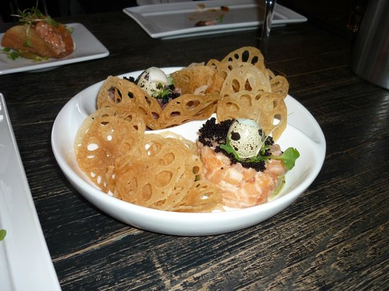Haru Izakaya: ying & yang tartare with lotus root chips