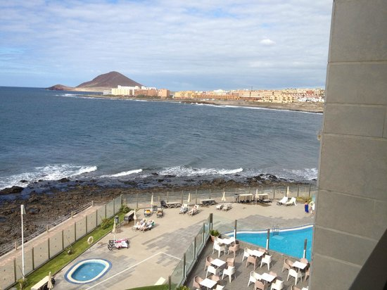 Hotel  Arenas del Mar: View from our balcony