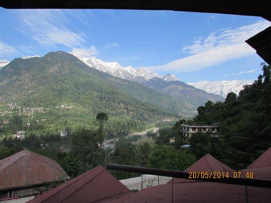 Manuallaya -The Resort Spa in the Himalayas: MY ROOM  VIEW