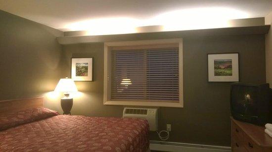 InnSeason Resorts Pollard Brook: Bedroom window