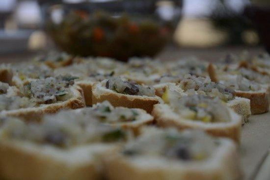 Gli Aromi Sicily: Crostini di limone e finocchietto selvatico.