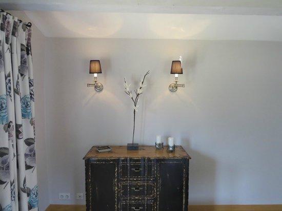 39 l 39 hirondelle 39 picture of atelier du renard argente mornas tripadvisor. Black Bedroom Furniture Sets. Home Design Ideas