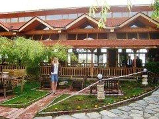 Venezia Palace Deluxe Resort Hotel: Ресторан в горах