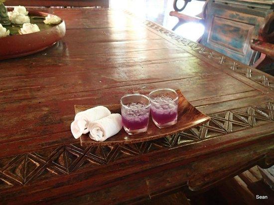 Anantara Hua Hin Resort : Welcome Drink, what a cute color~!