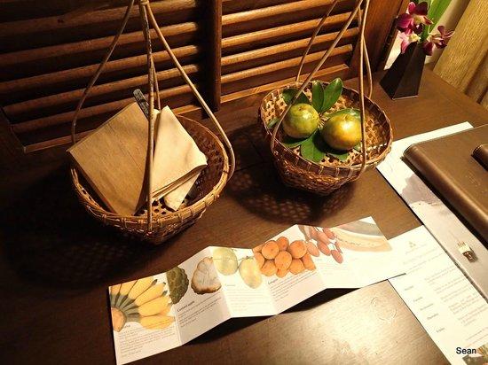 Anantara Hua Hin Resort : Welcome Fruits