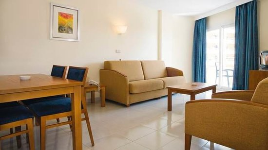 Hipotels Coma Gran Aparthotel : room