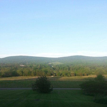 BEST WESTERN PLUS Cooperstown Inn & Suites: View from our room