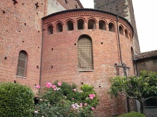 Basilica di Sant'Eustorgio : ingresso alla Cappella Portinari