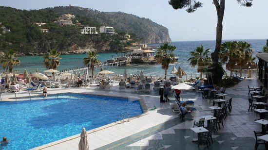 Grupotel Playa Camp de Mar: View of the Pool and Beach