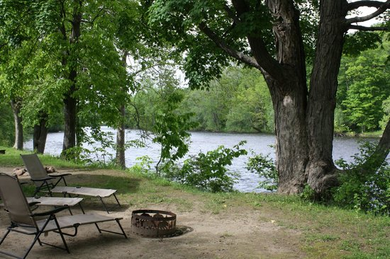 Herkimer KOA Campground : Creek