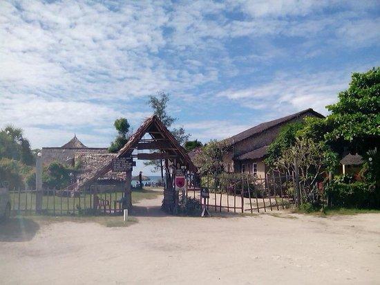Kipepeo Beach Village : The entrance to Kipepeo Beach....