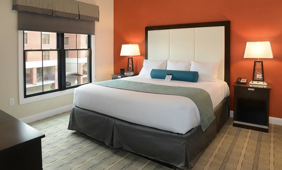 Pavilion Grand Hotel: Two Bedroom Suite- King Size Bed