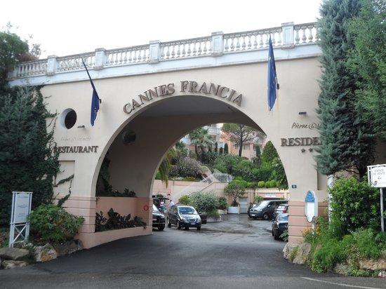 Pierre & Vacances Residenz Cannes Villa Francia: Entrata