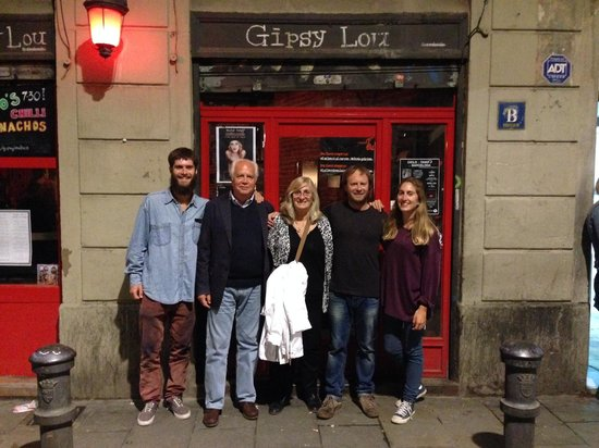 En la puerta del Gipsy Lou