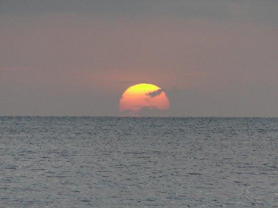 St. George's Caye Resort Activities: Fabulous sunset