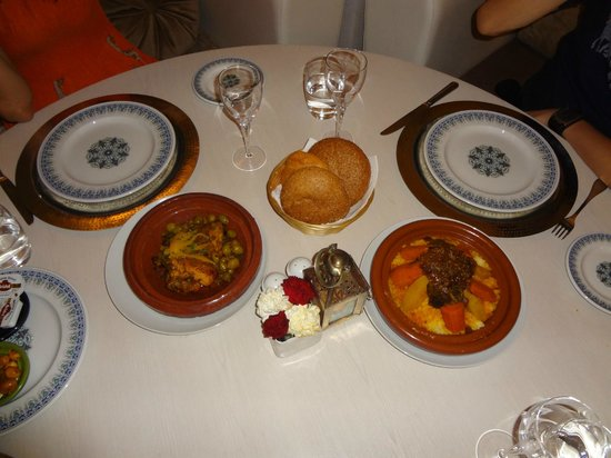 Pullman Marrakech Palmeraie Resort and Spa : Le Ryad: Tagine and Coucous - Morocco's National Food