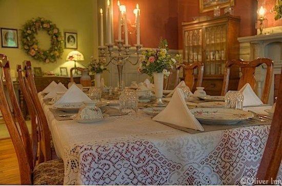 The Oliver Inn: Dining Room