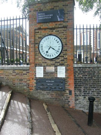 clock at greenwich time picture of royal observatory greenwich london tripadvisor. Black Bedroom Furniture Sets. Home Design Ideas