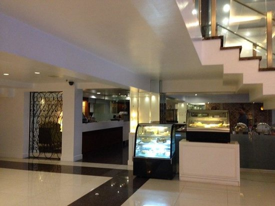 Hotel St. Ellis : restaurant