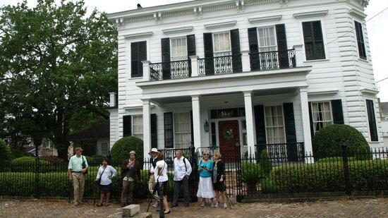 Racontours : Garden district tour