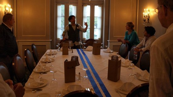 Racontours : One of the many dining rooms
