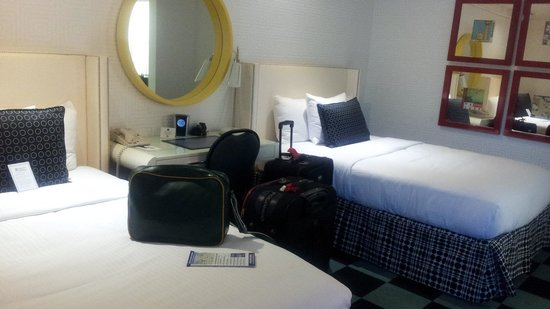 Americania Hotel: room