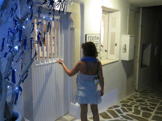 Naxos Town, Greece: Pocket gallery merveilleuse galerie