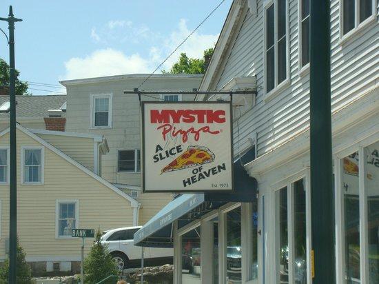 Mystic Pizza: Pretty good Pizza