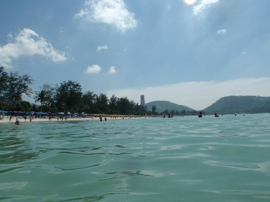 Patong Beach : View of the beach from the ocean